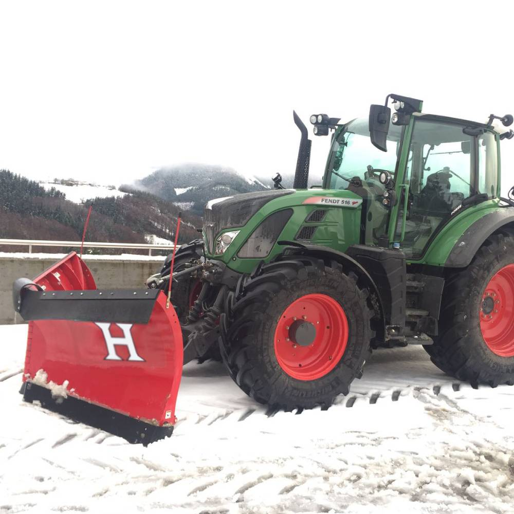 powerv-tractor-1